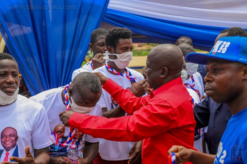 More than 120 NDC members in Mpraeso Constituency defects to NPP