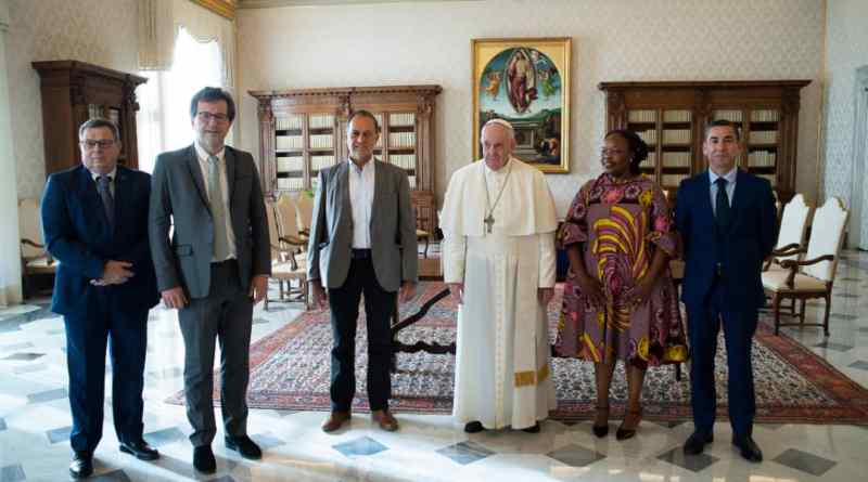 Fairtrade International pays courtesy call on Pope Francis