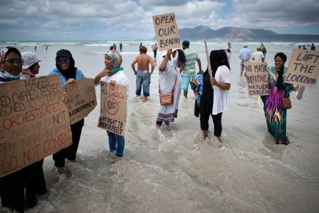South Africa church and beach-goers protest over lockdown