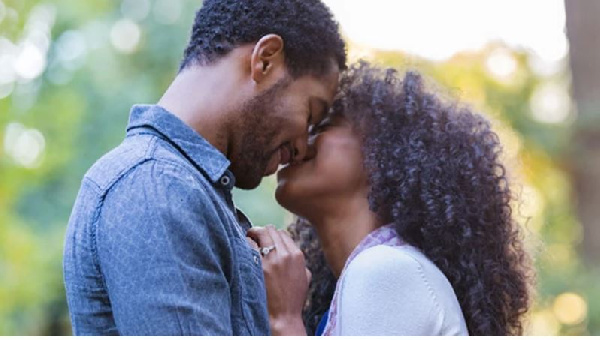 6 SIGNS your Man is seeing another woman