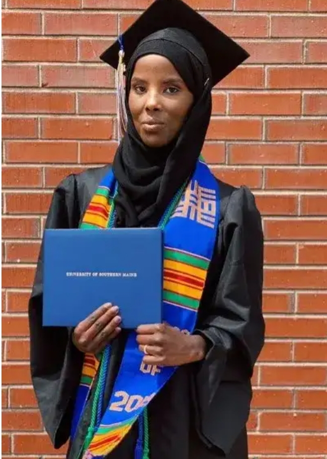 Meet the lady who moved to US with $0 and has become the first graduate in her family