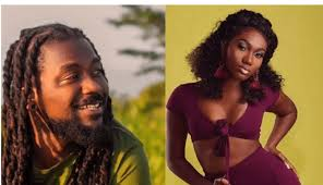 Photo of You go talk true: Wendy Shay begs Samini for disrespecting him