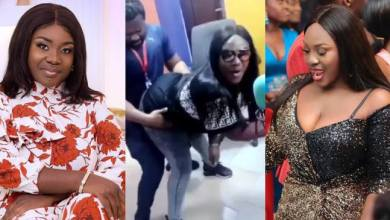 Photo of Video: Emelia Brobbey tw£rks on journalist during an interview (Watch)