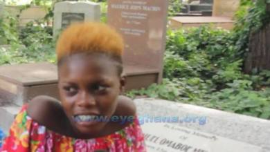 Photo of Meet the mysterious girl who lives at the cemetery with her boyfriend (Watch Video)