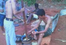 Photo of Hilarious: Photo of Chinese men preparing 'fufu' in the bush hit the internet