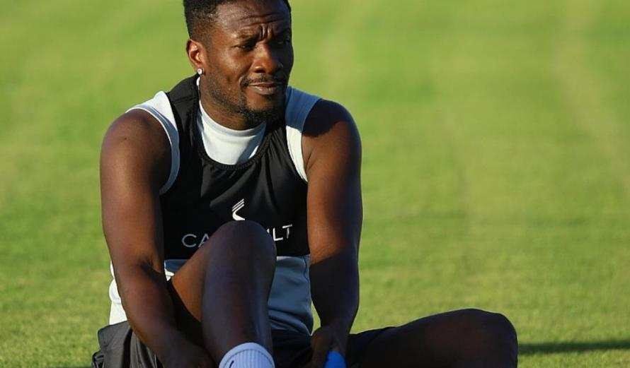 VIDEO: Asamoah Gyan undergoes intense fitness exercise with Legon Cities trainer
