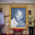 Art Director Prince Kojo-Hilton donates late Efo Ko̳djo Mawugbe's Image to National Museum