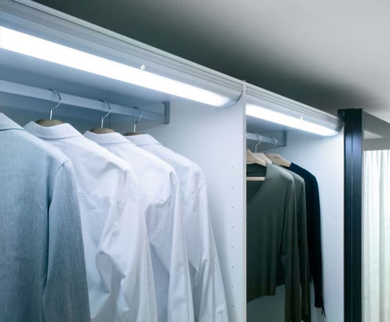 wardrobe-light
