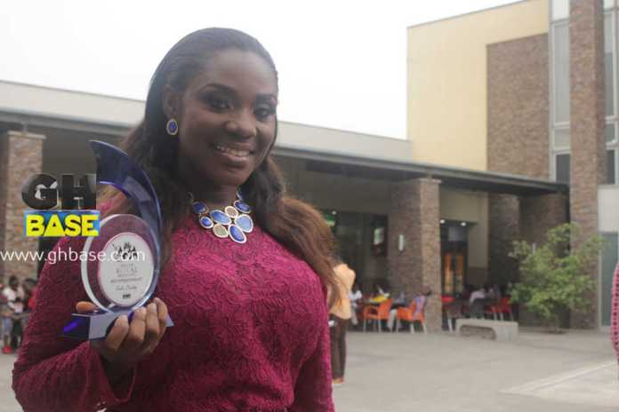 emelia-brobbey-wins-award-in-italy18