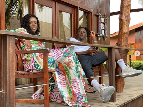"""Love Is Sweet: Stonebwoy And Wife """"Chop"""" Serious Love In New Video; Dr Louisa Blushes (Watch Video)"""