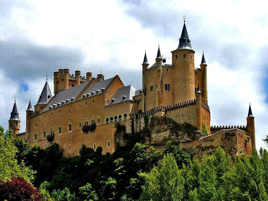 Замок Алькасар-де-Сеговия