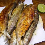 Жарим речную рыбу.