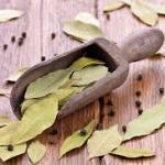 Применяем дым лаврового листа от кашля.