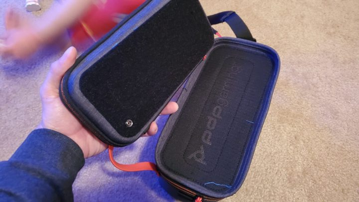 Pull-N-Go Switch Case, detached