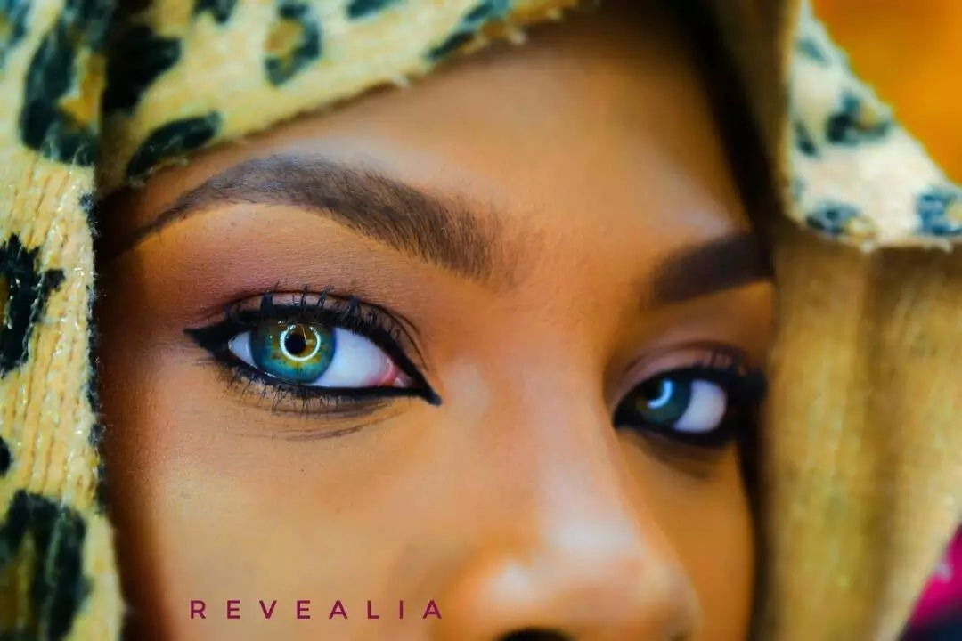 Nigerian Girl With Multicoloured Eyes Gets More Attention On The Internet
