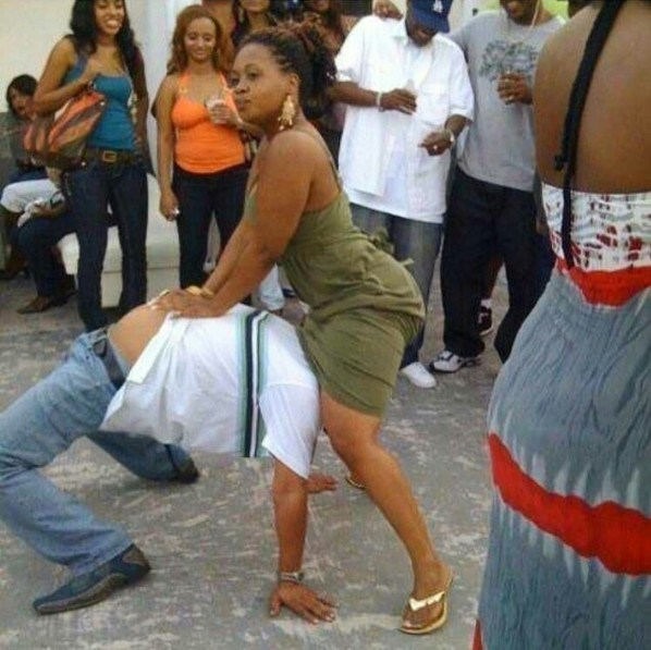 WTF: Man And Woman Perform A Crazy Dance And This Is What Happened