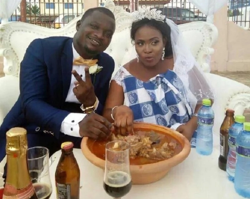 VIRAL Photos: This Photo Of Newly-Married Couple Eating Fufu In Their Wedding Apparel Is Everything