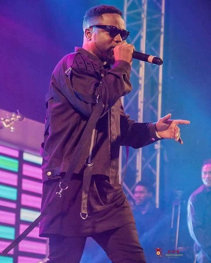 #SoundcityMVP: Sarkodie Beats Tiwa Savage, Tofan, AKA Others To Win Best Collaboration (+Full Winners)