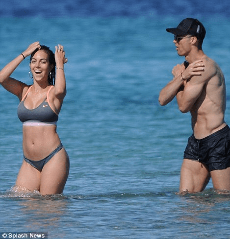 Cristiano Ronaldo 'CHILLS' With His Girlfriend Before The World Cup Begins (PHOTOS)