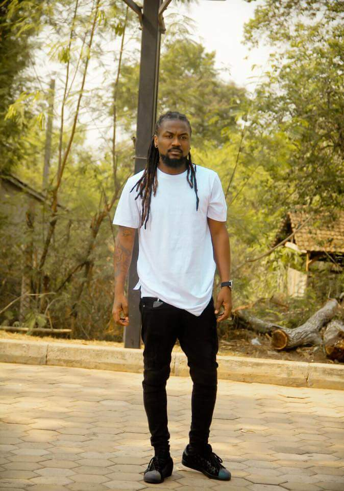 We Never Knew Samini Could Be This Violent As He Threatens To Beat Up Former YFM Presenter For This REASON (+Screenshot)