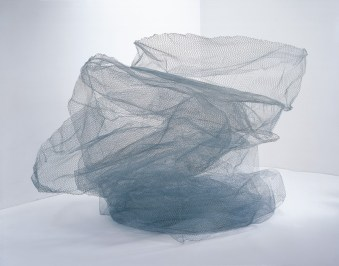 Un peu de temps à l'état pur Grillage, 2003 circa 250 x 280 x 220 cm photographie: Raphaël Chipault