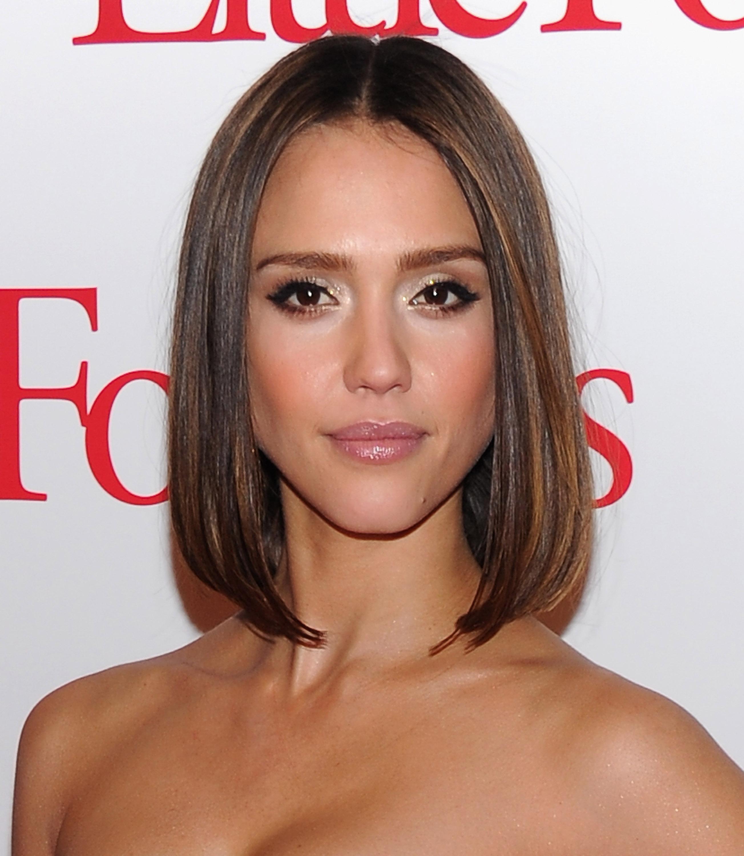 best haircuts short neck