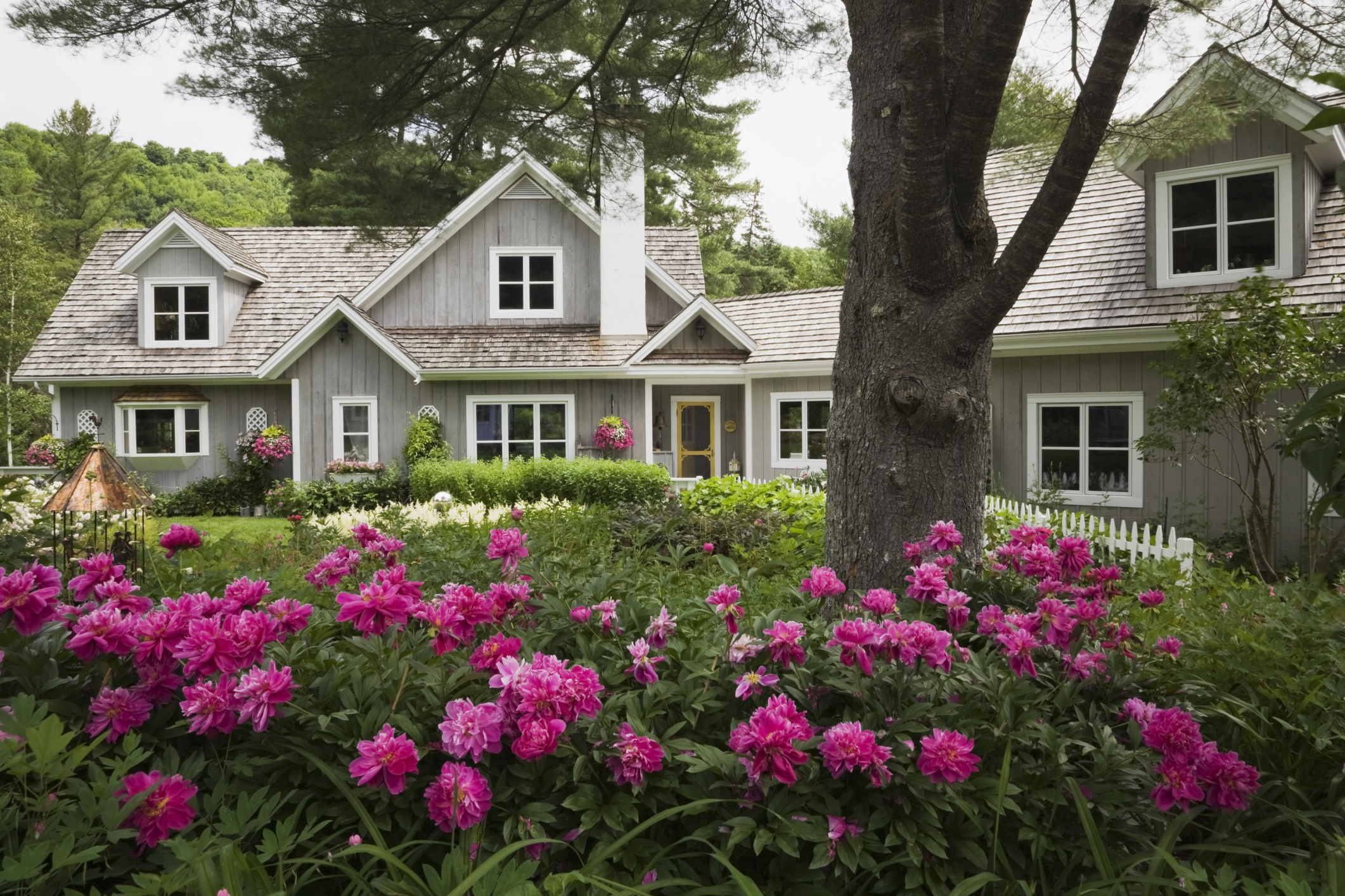 10 Big And Little Ways To Dial Up The Curb Appeal