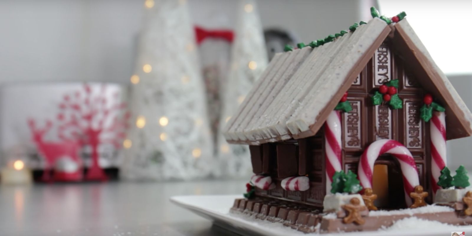 The Easiest Way To Make A Gingerbread House Is With Kit