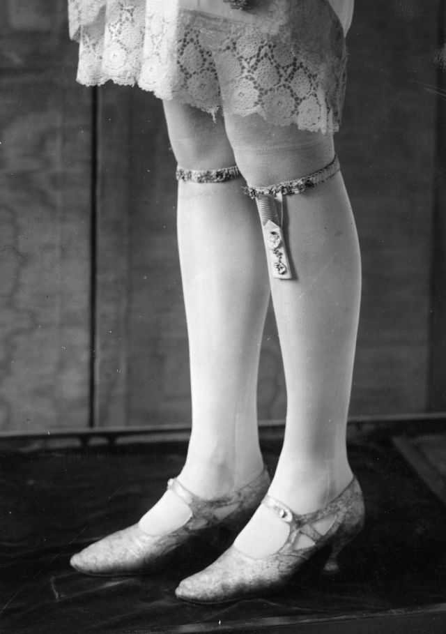 1920:  A pair of garters.  (Photo by Hulton Archive/Getty Images)