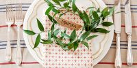 40 DIY Christmas Table Decorations and Settings