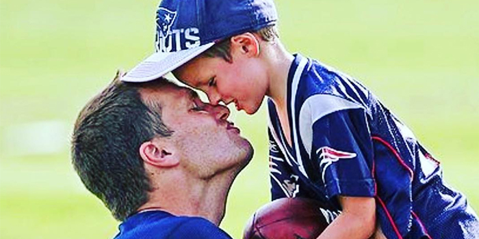 https://i0.wp.com/ghk.h-cdn.co/assets/18/05/1517503446-tom-brady-kissing-son-on-lips.jpg?w=1060