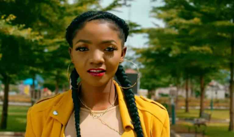 I Want To Collaborate With Manifest & Bisa Kdei – Nigerian songstress Simi