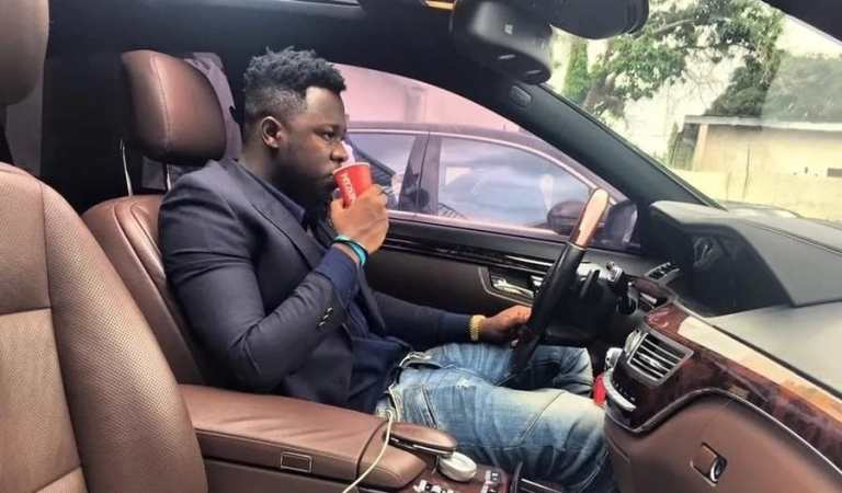 Medikal spread money on people at Nima