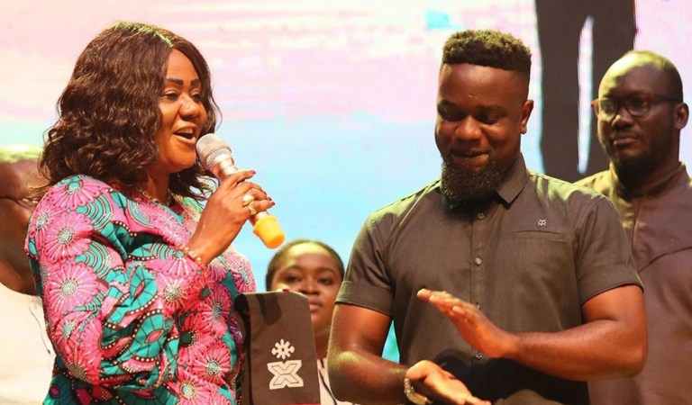 Hon Barbara Oteng Gyasi's initiatives set for the creative arts is spot on – Sarkodie accepts The Year of Return honour