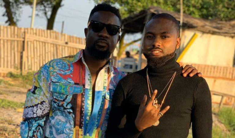 Nanky gets a big 'favour' from Sarkodie