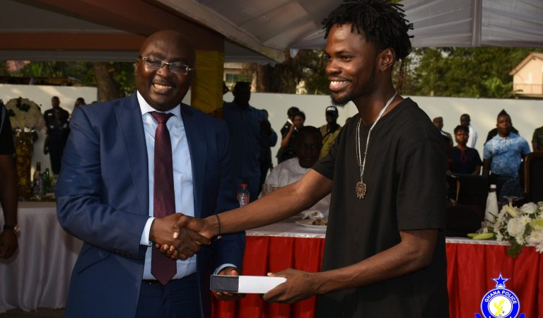 Fameye receives plaque from Dr. Bawumia and Ghana Police in honour of his parents