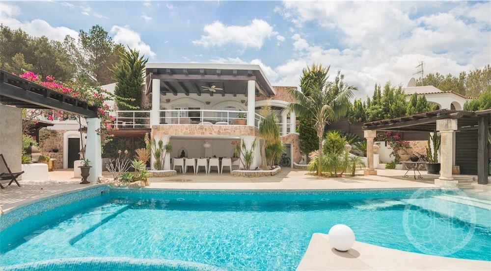 Fantastische Villa mit Meerblick und touristischer Vermietungslizenz