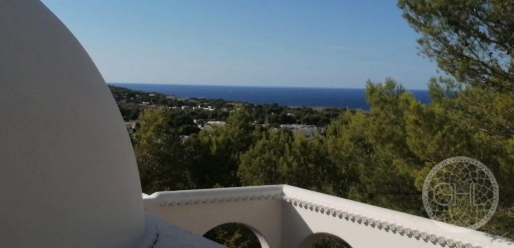 Villa a reformar con hermosas vistas al mar cerca de playas