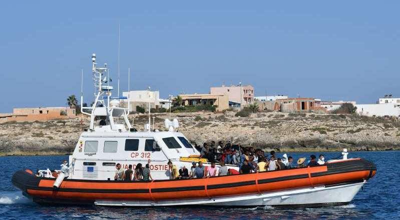At least 45 migrants dead in shipwreck off Libya