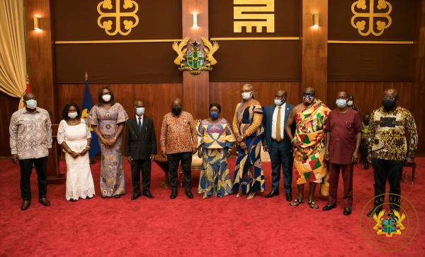 President inaugurates Governing Board Of Right to Information Commission