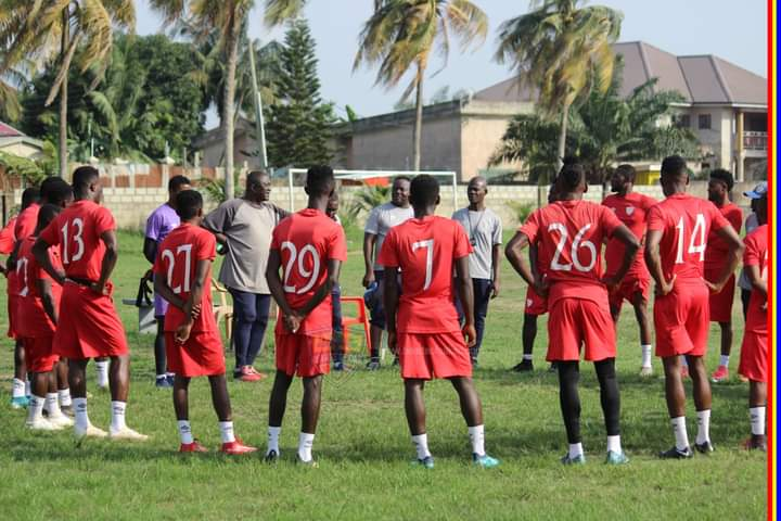 Newly appointed Hearts coach Kosta Papic meets players