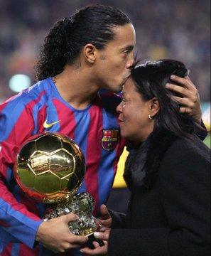 Football Star, Ronaldinho loses Mother