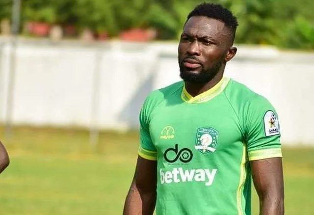 Aduana Stars player Farouk Adams in Police grips after killing Police Officer with car