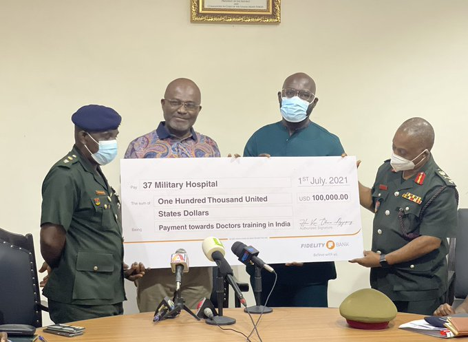 Assin Central Member of Parliament, Kennedy Agyapong, has presented a cheque of USD100,000 to the 37 Military Hospital. This comes barely a few weeks after he cut the sod for the construction of Cardiothoracic Centre. The money is to facilitate the training of medical personnel in India to man the ultra-modern Cardiothoracic Centre under construction within the hospital. A total of eight medical personnel are expected to benefit from his benevolence. The eight are said to include; Lt Col. Kwame Acheampong Adomako – Surgeon, Dr Gordon Offei-Larbi – Surgeon; SQ LDR; Benjamin Toboh, Cardiologist and Dr Nana Yaa Kyei-Frimpong – also a Cardiologist. The rest are, CDR. Titus Enninful – Cardiac Anesthetist; Melvin Michael Asamoah – Perfusionist; MAJ. Gloria Addae – Cardiac Pharmacist as well as Lois Yarborfo Larbie – Biomedical Engineer. ALSO READ: Kennedy Agyapong cuts sod for construction of Cardiothoracic Centre at 37 Five times MP Kennedy Agyapong was generous with his money Mr Agyapong, during the presentation, revealed that some of his friends have pledged their support to make the venture a success. On behalf of the Military High Command and the 37 Military Hospital, Lt Col. Kwame Acheampong Adomako, also expressed gratitude for the gesture and promised to come back better resourced and intellectually equipped to serve the country.