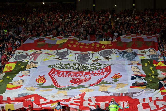 Rafa Benitez flags to stay on the Kop despite taking Everton manager's job