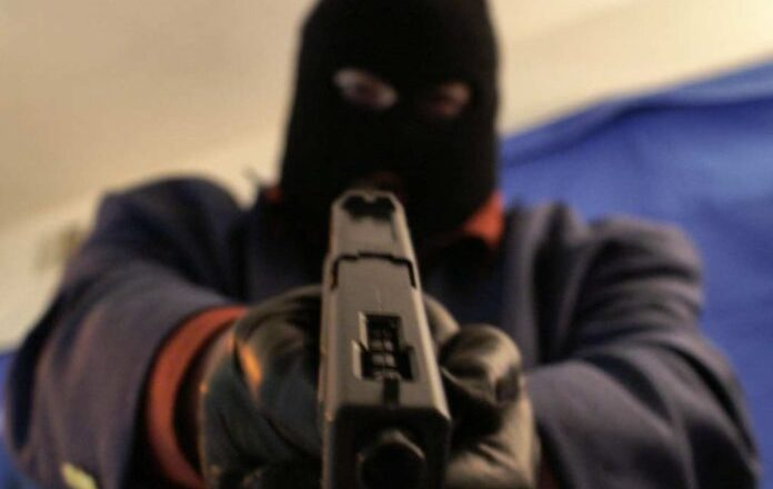 E/R: Robbers strangle driver's mate to death in another fuel station attack
