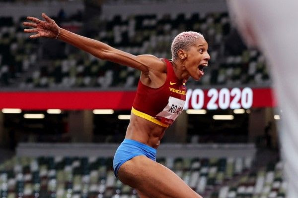 Rojas breaks world triple jump record with 15.67m in Tokyo