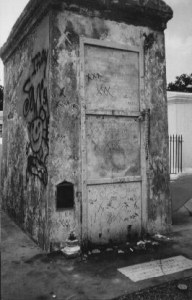tomb_of_marie_laveau