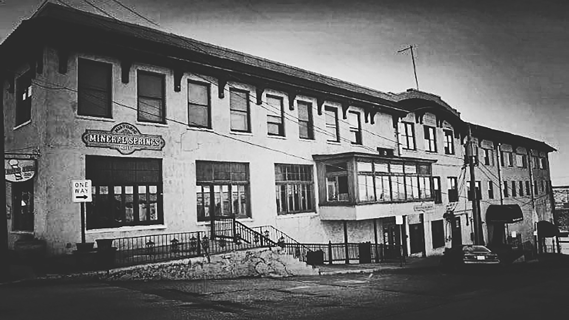 Mineral Springs Hotel Ghost Hunt | Alton, Illinois
