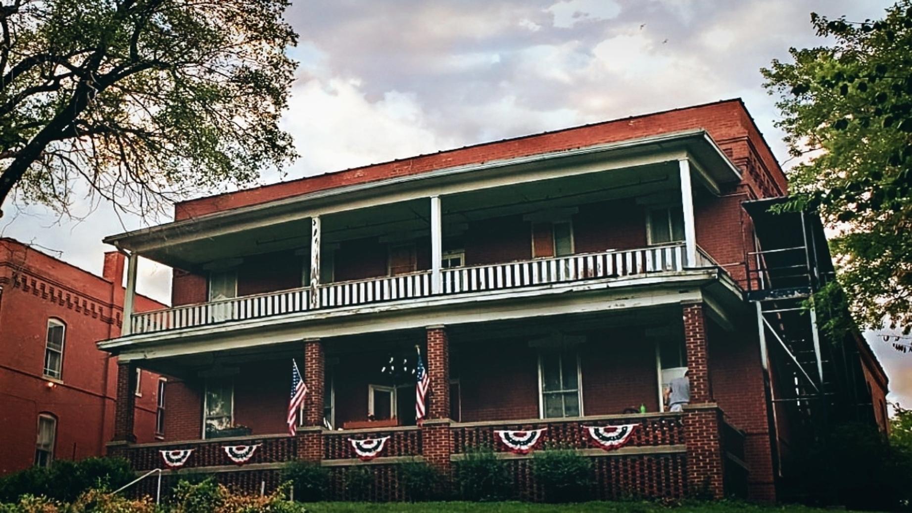 Beattie Mansion Ghost Hunt | St Joseph, Missouri